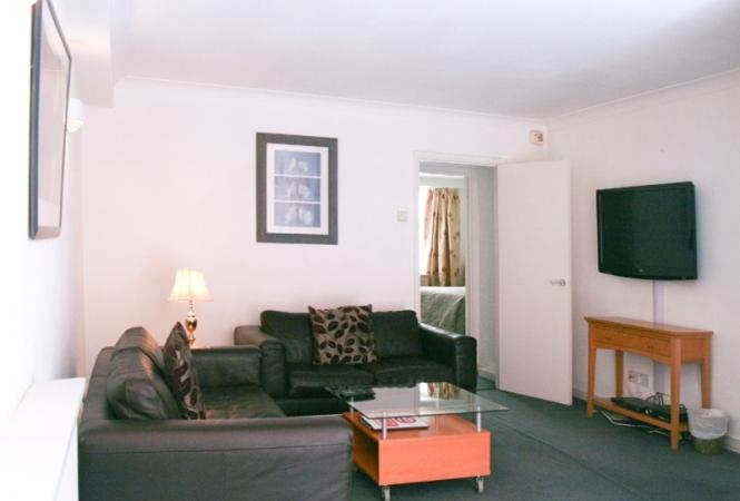 hertford-gallery-apartment5-living.jpg
