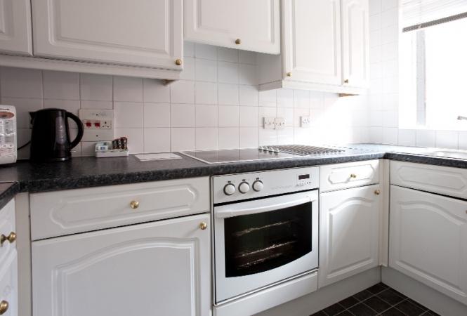hertford-gallery-apartment3-kitchen.jpg
