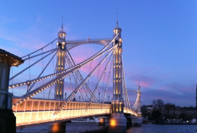 albert-bridge-thames.JPG